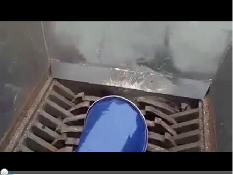 油桶撕碎机视频